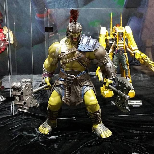 Hot-Toys-Gladiator-Hulk-Figure-SDCC-2017