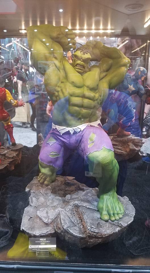 SS Hulk statue SDCC